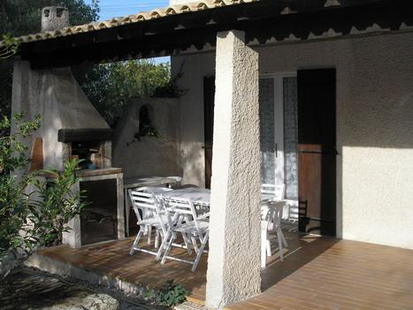 Location saisonnière pour 6 personnes en Provence